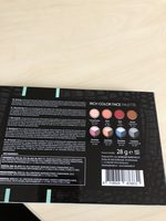 Rich color face palette - Product